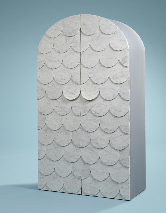 Vaisselier Scale, écailles de marbre et bois laqué, 2008.
