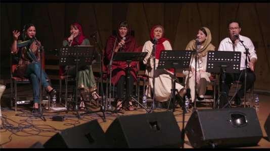 """Le concert organisé à Téhéran par Sara Najafi dans """"No Land's Song"""", d'Ayat Najafi."""