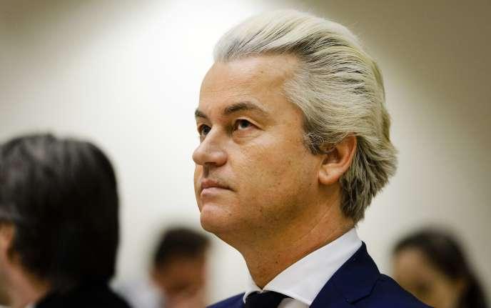 Geert Wilders, du Parti pour la liberté (PVV), formation d'extrême droite, ici le 18 mars 2016, appelle à voter