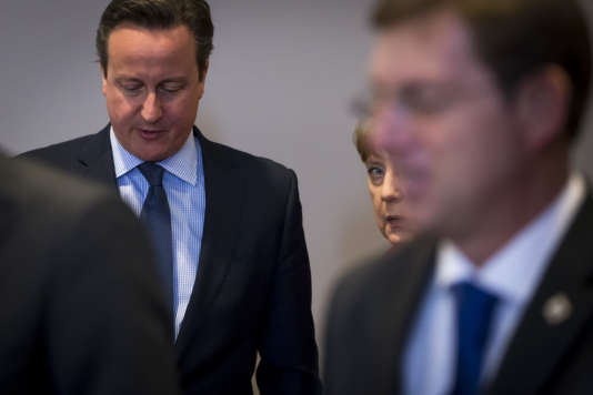 David Cameron, Premier ministre britannique, et Angela Merkel, chancelière allemande, participent au Sommet des chefs d'Etat et de gouvernement au Conseil européen à Bruxelles, Belgique, jeudi 17 mars 2016.
