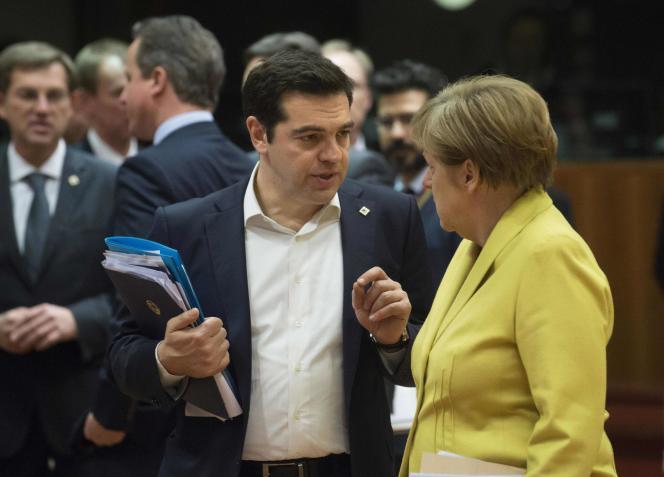 Alexis Tsipras, le premier ministre grec, et Angela Merkel, la chancelière allemande, à Bruxelles le 18 mars.