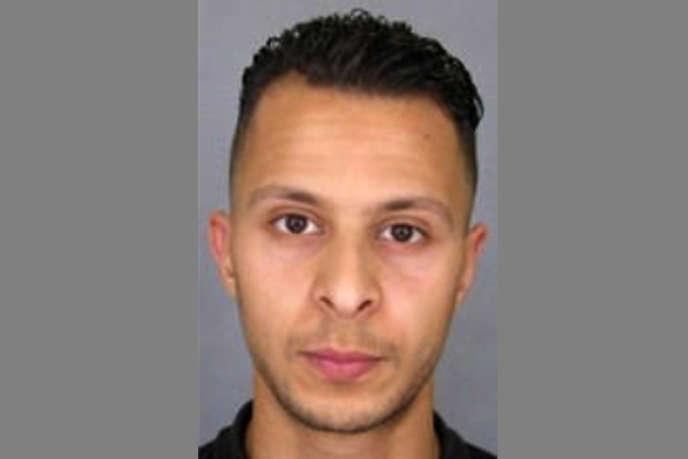 Un portrait de Salam Abdeslam diffusé par les services de police pour un appel à témoin, le 15 novembre 2015.