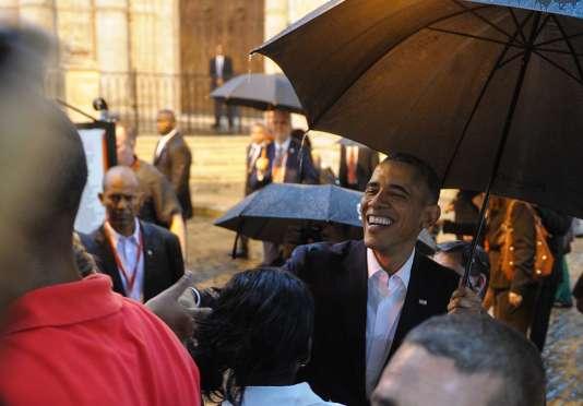 Barack Obama a découvert La Havane dimanche 20 mars, en famille et sous une pluie battante.
