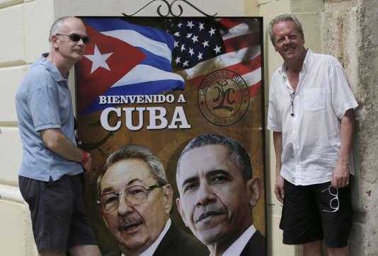 Affiche avec Raul Castro et Barack Obama à LaHavane, dans la vieille ville, le 20mars.