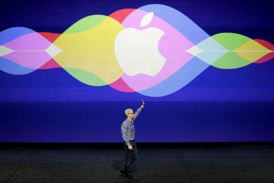 Apple Music, Spotify, YouTube ou encore Vevo génèrent désormais plus de revenus que le téléchargement à l'unité et la vente physique aux Etats-Unis.