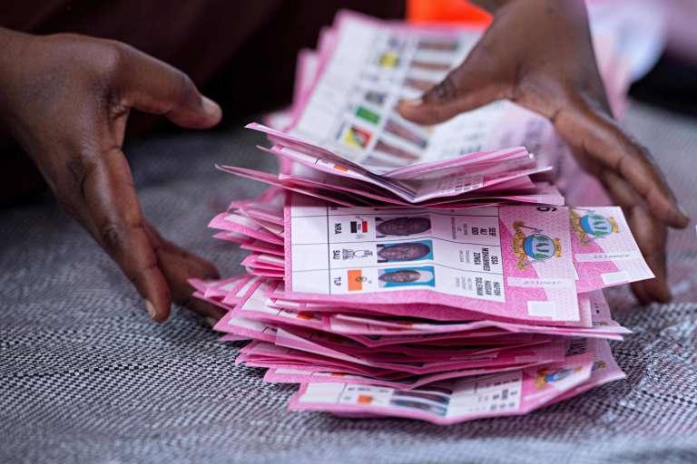 Dépouillement après le scrutin présidentiel et législatif du 20 mars 2016 à Zanzibar.