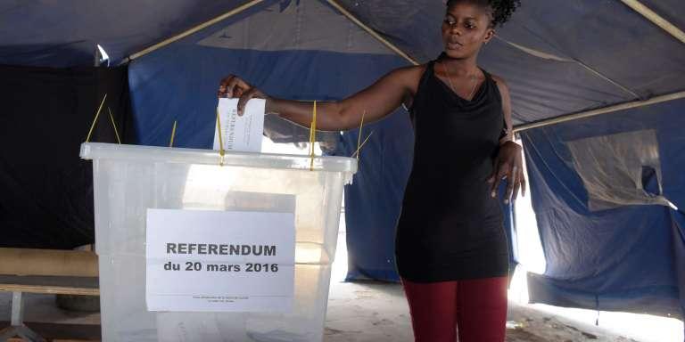 Jour de vote au Sénégal pour le projet de réforme de la Constitution du 20 mars 2016.