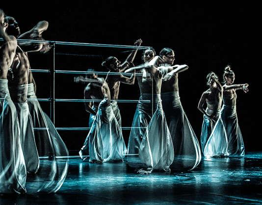 """""""Borderline"""", de Sébastien Ramirez et Honji Wang au Festival de Düsseldorf, le 22 septembre 2015."""