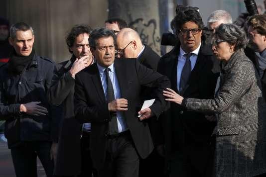 Georges Fenech, président de la commission d'enquête parlementaire sur les «moyens pour lutter contre le terrorisme», arrive au Bataclan, à Paris, le 17 mars.