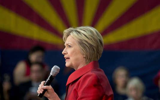 Hillary Clinton pourrait remporter le grand Etat de l'Arizona (75 délégués), où 27 % de de la population est hispanique ; ce qui devrait lui permettre de continuer à se rapprocher du seuil de 2 383 délégués requis pour l'investiture.