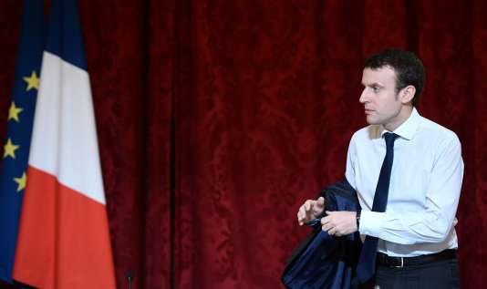 Le ministre de l'économie, Emmanuel Macron, à l'Elysée le 22 mars.