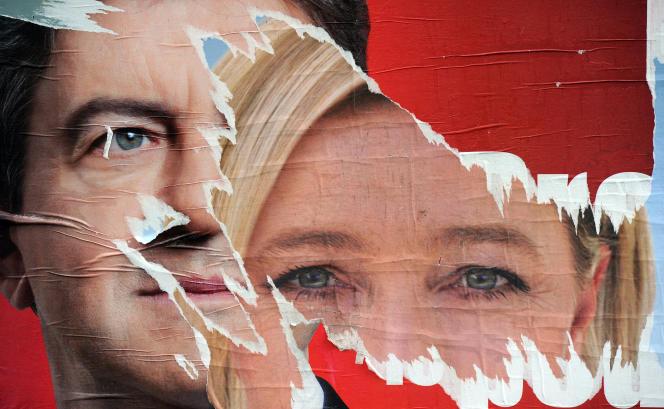 Affiches électorales des candidats à la présidentielle Jean-Luc Mélenchon (Front de gauche) et Marine Le Pen (Front national), le 22 avril 2012 à Strasbourg.