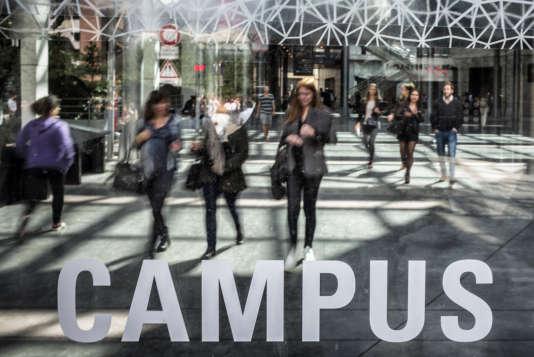 La Fédération des associations générales étudiantes s'impose avec 76 élus, contre 66 pour l'Union nationale des étudiants de France, une situation inédite pour le syndicat étudiant.