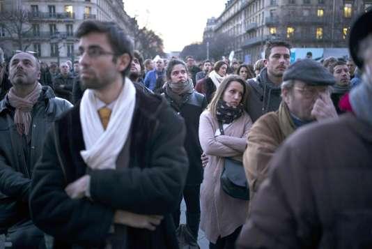 Rassemblement de solidarité avec les Bruxellois, le 22 mars, place de l'Hôtel-de-Ville à Paris.
