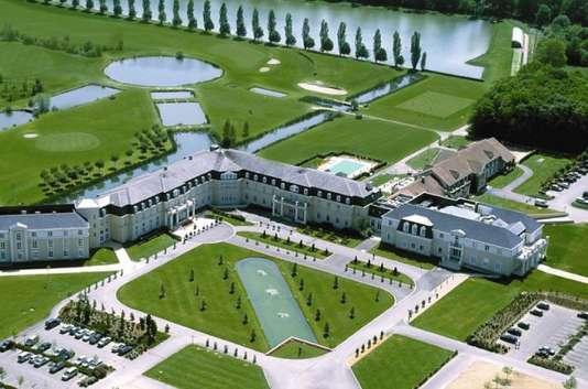 200 chambres, un parcours de golf, un grand parc... le Dolce n'est pas intimiste, mais dépaysant.