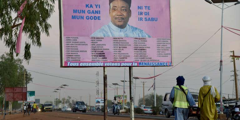 Une affiche de campagne électorale de Mahamadou Issoufou, réélu pour un secon mandat de cinq ans à la tête du Niger.