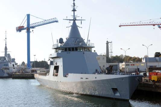 Photo du patrouilleur hauturier de type Gowind «Adroit» prise à Lorient en2011.