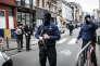 Périmètre de sécurité devant l'hôpital Saint-Pierre, à Bruxelles, ou de nombreux blessés sont soignés, le 22 mars.