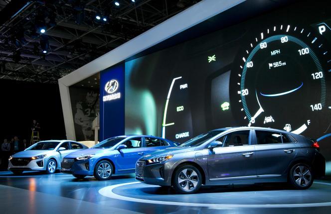 Trois modèles de la nouvelle Hyundai hybride, baptisée