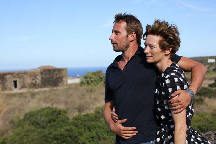 Matthias Schoenaerts et Tilda Swinton dans « A Bigger Splash ».