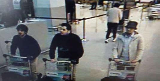 Image des suspects des attentats de Bruxelles à l'aéroport de Zaventem, le 22 mars.