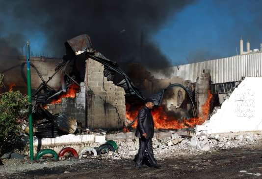 Après un bombardement de la coalition contre la capitale yéménite, Sanaa, le 10 février.