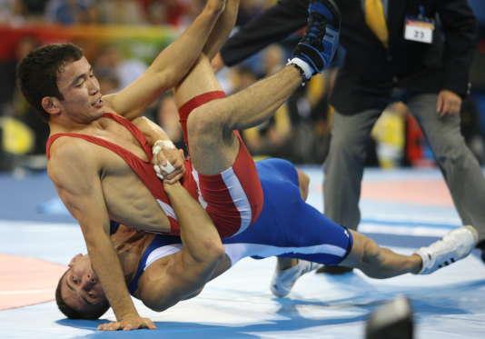 Steeve Guénot, lors du tournoi de lutte olympique en 2008.