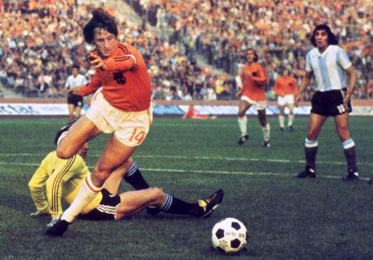 Johann Cruyff, lors du Mondial 1974 en Allemagne, face à l'Argentine.