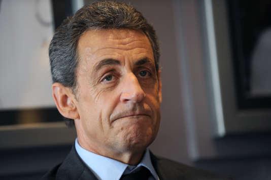 L'ancien chef de l'Etat assure que la différence entre France et zone euro en terme de demandeurs d'emploi n'a jamais été si forte depuis 1997. Ce qui est... totalement faux.