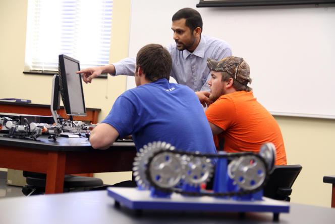 Etudiants en sciences de l'ingénierie (Southern Arkansas University), le 14 mars 2013.