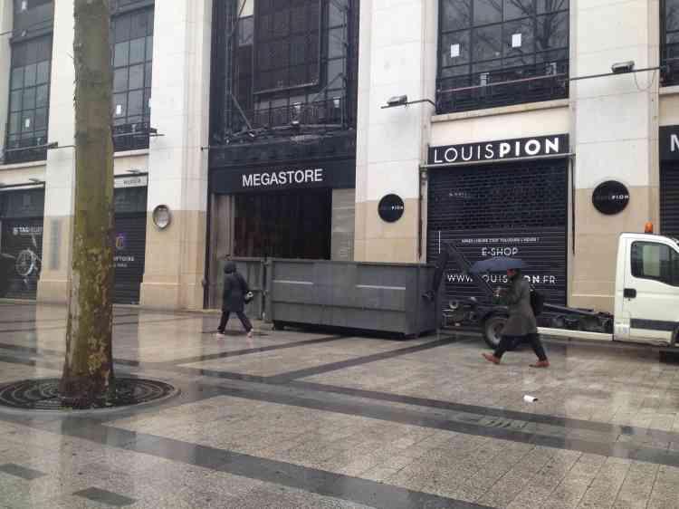 L'entrée principale des Galeries Lafayette devrait se faire par l'entrée principale de l'ancien Virgin Megastore, qui a fermé en juillet 2013.