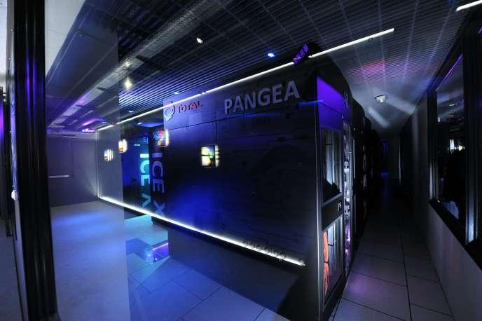 Le superordinateur Pangea se trouve au centre scientifique et technique Jean-Féger du groupe Total, à Pau.