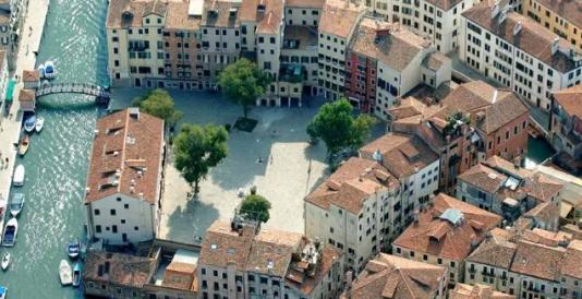 Vue du Cannareggio, à Venise.  où dès le début du XVIe siècle, la République de Venise enferma les juifs.