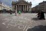 Sur la place de la Bourse, à Bruxelles, le 22 mars après les attentats qui ont endeuillé la capitale belge