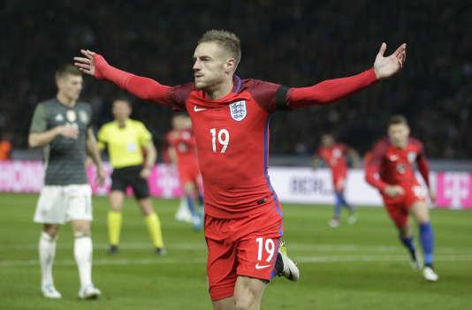 Avec Leicester comme avec l'Angleterre, ici à Berlin contre l'Allemagne, l'incroyable Jamie Vardy ne cesse de marquer.