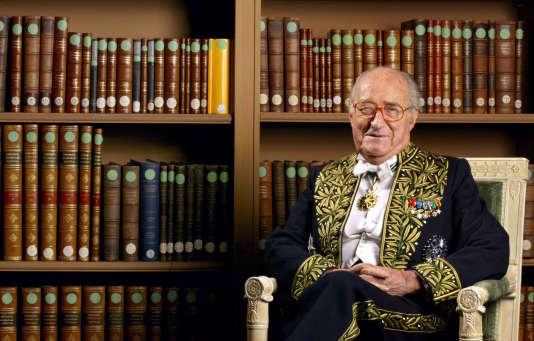 L'académicien Alain Decaux, le 4 décembre 2003.