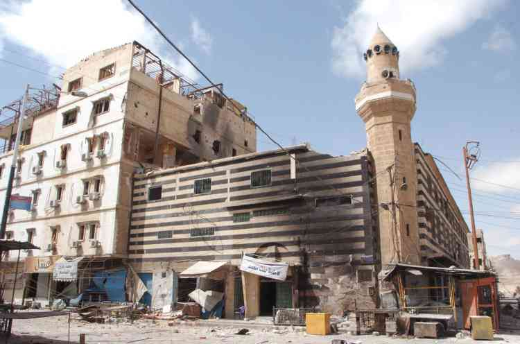 Les quartiers résidentiels de la ville moderne ont été durement touchés par les combats. 70 000 personnes y résidaient avant la guerre.