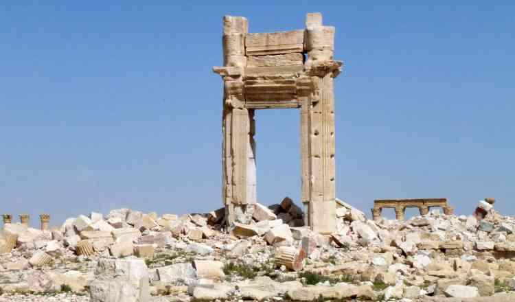 Un vestige de l'entrée du temple de Bêl. L'Etat islamique a détruit le temple, l'un des sites majeurs de la cité.