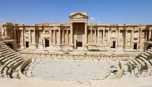 Le théâtre de la cité antique de Palmyre a été épargné par les djihadistes de l'Etat islamique, selon ces clichés pris dimanche sur place.
