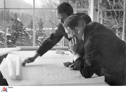 Adolf Hitler et l'architecte Albert Speer.