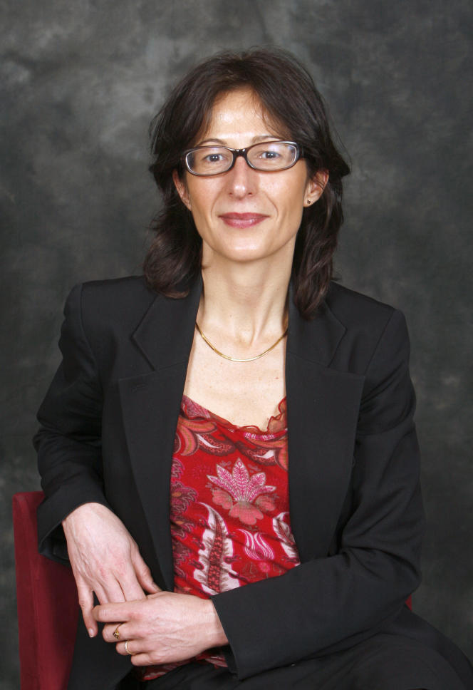La journaliste française Florence Hartmann le 5 avril 2008 à Paris.