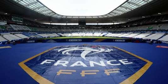 Quatre mois et demi après les attentats du 13 novembre, les joueurs de l'équipe de France foulent à nouveau la pelouse du Stade de France face à la Russie.