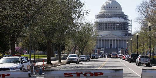 Une rue menant au Capitole bouclée, le 28 mars à Washington.