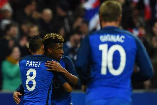 Kingsley Coman, 19 ans, fête la victoire 4 à 2 de la France contre la Russie au Stade Saint Denis, le 29 mars 2016.