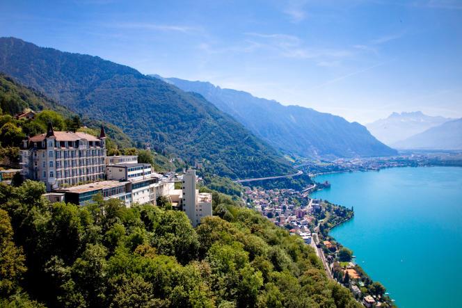L'école hôtelière de Glion, en Suisse, au-dessus du Lac Léman.