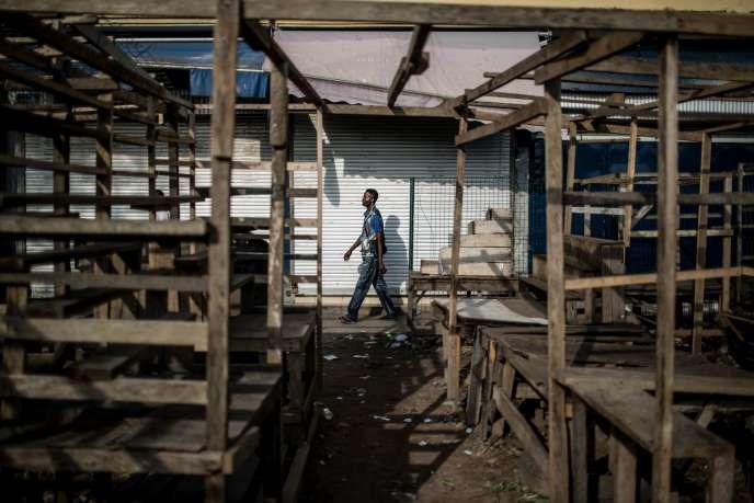 Des échoppes fermées à Brazzaville, lors de la journée ville morte du 29mars.
