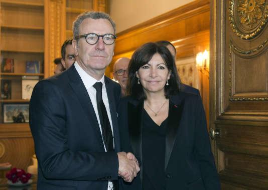 La maire de Paris, Anne Hidalgo, a reçu le bourgmestre de Bruxelles, Yvan Mayeur, à l'hôtel de ville mardi 29 mars.