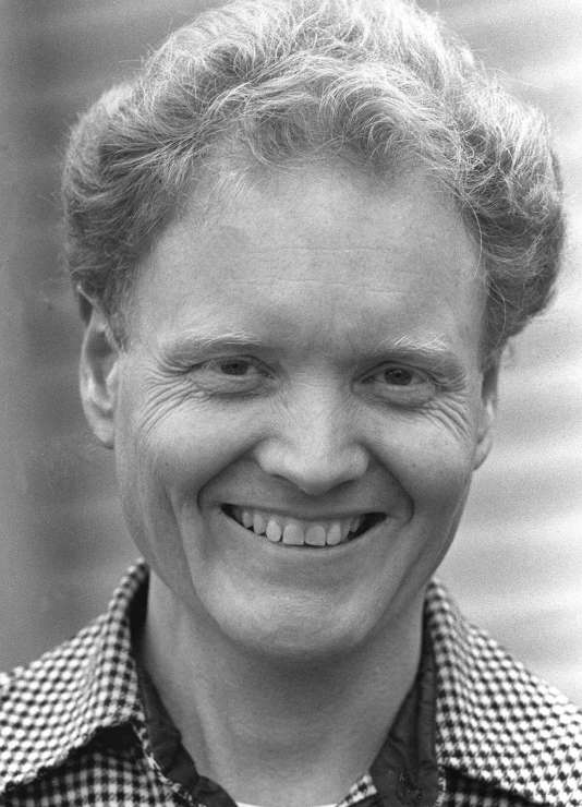L'économiste Lester Thurow, chez lui à Lincoln, Massachussetts en novembre 1980. Il est décédé le 25 mars.