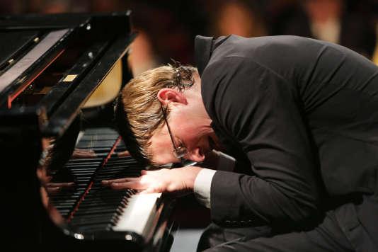Thomas  Coumans interprète Hugo, un génial pianiste autiste.