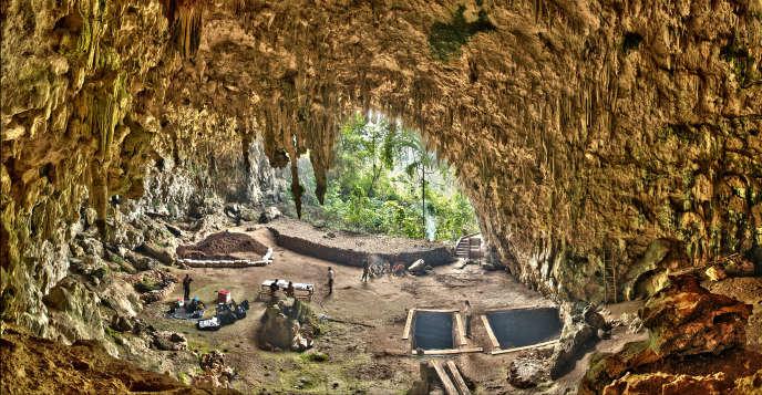 La grotte de Liang Bua, sur l'île de Flores, en Indonésie, a été occupée par
